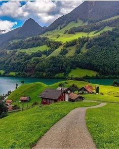 Tourist Places, Places To Travel, Beautiful Places, Beautiful Pictures, City Landscape, Walking In Nature, Nature Pictures, Solo Travel, Amazing Nature