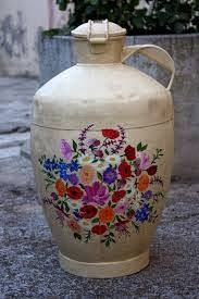 Imagen relacionada Decoupage, Milk Cans, Jar, Canning, Simple, Home Decor, Google, Decorated Water Jugs, Tin Cans