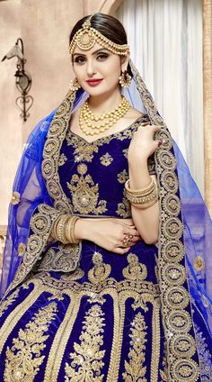color is decorated with kundan, resham, zari work is for Comes with matching choli, and color dual dupattas. Classic outfit will make you an of Bridal Lehenga Choli, Saree Wedding, Wedding Wear, Cat Wedding, Bridal Outfits, Bridal Dresses, Traditional Sarees, Traditional Wedding, South Indian Sarees