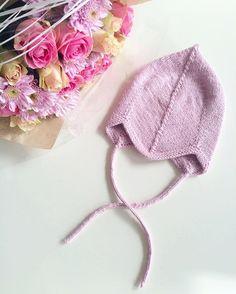 WEBSTA @ strikkegull - • Kjappstrikk •Jeg prøver lykken med denne fine lua i @strikkefru sin konkurranse. Kjapp og enkel strikkeoppskrift som er super å ta med på ferie i sommer☀️ #kjappstrikk2016 #strikke2016 #strikkefestival #leneholmesamsøe #babylue #knitting #knit #knitting_inspiration #i_loveknitting #jentestrikk #weareknitters #sandnesgarn #instaknit #knittersofinstagram #knitinspo123 #strica #strik #babystrikk #barselgave #strikkedilla #strikkogframsnakk