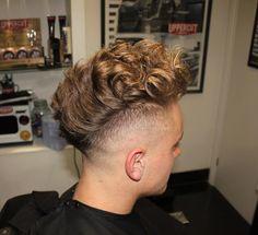 Haircut by joshdiamondgeezers http://ift.tt/22bJBbZ #menshair #menshairstyles #menshaircuts #hairstylesformen #coolhaircuts #coolhairstyles #haircuts #hairstyles #barbers