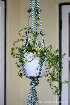 Mia Bella Passions: DIY Chunky Rope Pot Plant Hanger... #macrame #porch #rope