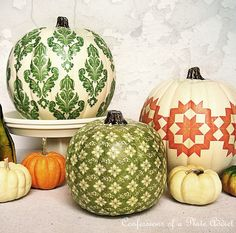 painted pumpkins, so cute! #pumpkindecor #falldecor