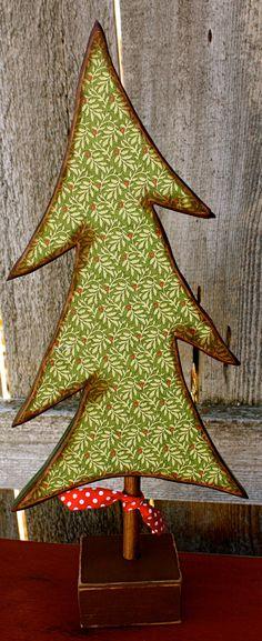 Decorative Wood Tree by ladybugsspot Christmas Wood Crafts, Primitive Christmas, Christmas Signs, Country Christmas, Christmas Projects, Winter Christmas, Christmas Love, Holiday Crafts, Christmas Decorations