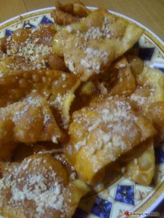 Δίπλες με πορτοκάλι #sintagespareas Greek Recipes, French Toast, Sweet Tooth, Deserts, Cooking Recipes, Sweets, Breakfast, Christmas Recipes, Food