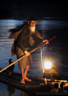 500px에서 활동 중인 Woosra Kim님의 사진 Old fisherman in Guilin
