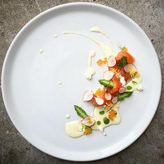 Cured Norwegian salmon, asparagus and radish, cucumber juice and mayonnaise, salmon roe, egg mimosa by @czarneckigreg #GourmetArtistry