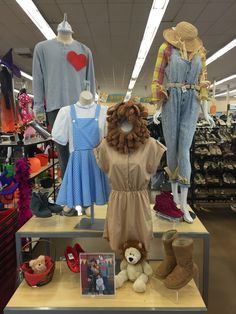 DIY Wizard of OZ Costumes DIY Wizard of OZ costumes from Thrift Town The Effective Pictures We Offer You About DIY Costume original A quality picture can tell you many things. You can find the most be Diy Dorthy Costume, Diy Tin Man Costume, Tin Man Costumes, Diy Scarecrow Costume, Family Halloween Costumes, Halloween Kostüm, Wizard Of Oz Costumes Diy, Diy Costumes, Wizard Of Oz Games