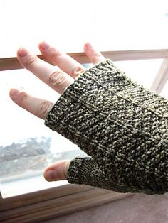 Wheatly Mitts are delightfully textured with a cozy knit-purl pattern that will appeal to both men and women. Ribbed trims help keep out the chill and a simple stockinette thumb gusset keeps the focus on the textured pattern. This pattern is offered in three sizes to ensure you can knit the right fit. Choose a neutral yarn so you'll match every outfit, or opt for a fun color to spice up this classic mitt!