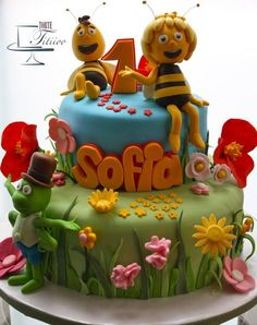 Maya the bee - Cake by Torte Titiioo Bee Cakes, Fondant Cakes, Cupcake Cakes, Beautiful Cakes, Amazing Cakes, Bee Birthday Cake, Baby Girl Cakes, Creative Cakes, Themed Cakes