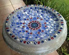 Beautiful bird bath https://www.facebook.com/832179053512452/photos/a.836109593119398.1073741828.832179053512452/836107936452897/?l=a453ed7ab9