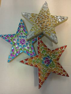 Mosaic Supplies Ltd precut star mosaic kits. Choose from glitter, rainbow and jewel.. Suitable for adults and older children with supervision. Grouting required #GlitterGrout Mosaic Kits, Mosaic Tile Art, Mosaic Crafts, Mosaic Projects, Mosaic Glass, Glass Art, Stained Glass, Christmas Mosaics, Christmas Crafts