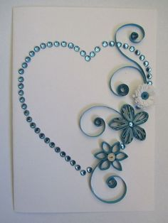 Quilling heart with flowers (blue). I love the use of quilling and rhinestones… Origami And Quilling, Paper Quilling Designs, Quilling Paper Craft, Quilling Patterns, Card Patterns, Toilet Paper Roll Crafts, Paper Crafts, Rolled Paper Art, Quilled Creations