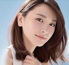 Japanese Eyes, Cute Japanese, Japanese Girl, Asian Woman, Asian Girl, Medium Hair Cuts, Japan Fashion, Women's Fashion, Woman Face