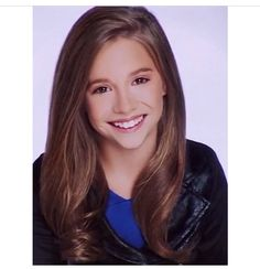 Hey guys it's Kenzie!! I'm 12 and single. I currently dance on the Junior Elite Competition Team. Maddie is my sister. I have a puppy named Maliboo!! How do u like my new headshot??