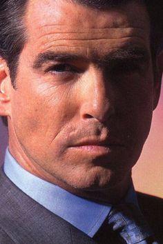 Pierce Brosnan, James Bond