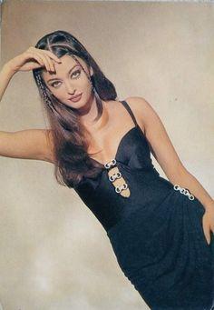 Actress Aishwarya Rai, Bollywood Actress, Beautiful Indian Actress, Beautiful Actresses, Indian Aesthetic, Bollywood Masala, Vintage Bollywood, Brown Girl, India Fashion