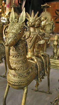 India 3 men riding a Dhokra horse Antique Art, Vintage Art, Indian Interior Design, Indian Interiors, Brass Statues, Indian Home Decor, Tribal Art, Design Crafts, Handicraft
