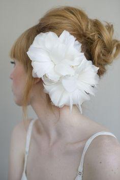 My feather head piece! It was amazing! Bridal feather flower headpiece, hair comb - Flourish double feather flower - Style 014 - Made to Order Pretty Hairstyles, Wedding Hairstyles, Hairstyle Ideas, Romantic Updo, Flower Headpiece, Flower Hair, Bridal Updo, Bridal Pics, Wedding Updo