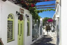 #visitgreece #greece Tour to Sifnos : Kastro, Artemonas, Apollonia, Chrysopigi, Vathi (swimming & lunch)