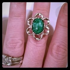 Vintage sarah coventry adjustable green ring Good condition!! Vintage Jewelry Rings