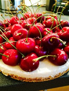 Vanilla lime yoghurt pie with cherries