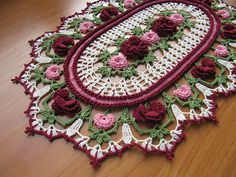 Rose Parade Doily by Kathryn White Vintage Crochet Doily Pattern, Crochet Flower Patterns, Crochet Doilies, Crochet Flowers, Crochet Home, Diy Crochet, Crochet Crafts, Crochet Projects, Crochet Table Mat