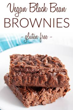 Vegan Black Bean Brownies (gluten free) - These moist rich brownies are extremely addictive. You would never know they are good for you! #blackbeanbrownies #veganbrownies Vegan Snacks, Vegan Desserts, Vegan Recipes, Snack Recipes, Black Bean Brownies, Vegan Brownie, No Bake Brownies, Vegan Christmas, Vegane Rezepte