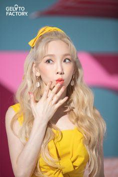 Photo album containing 10 pictures of Taeyeon Girls Generation, Girls' Generation Taeyeon, Snsd, Seohyun, Jeonju, Yuri, Taeyeon Fashion, Blonde Asian, Kpop Hair