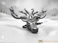 Mistletoe Reindeer Pendant 3d printed