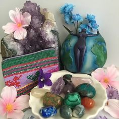 Crystal Healing Kits Crystal Shop, Crystal Jewelry, Gemstone Jewelry, Crystals For Sale, Natural Crystals, Crystal Healing, Gemstones, Painting, Gems