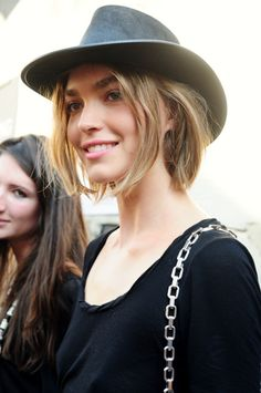Perfectly tousled under hat crowd hair | #hair #leonorgreyl | www.leonorgreyl.com