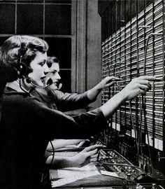 telephone operators, 1950s
