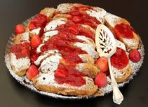 Strawberry French Toast- Try this great French toast from a strawberry & cream cheese Butter Braid pastry! #French #Toast #Strawberry
