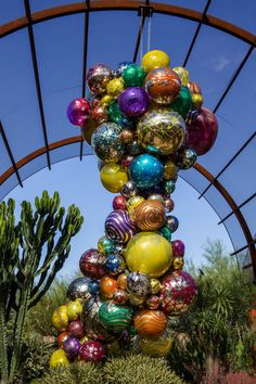Dale Chihuly, Polyvitro Chandelier and Tower, 2006