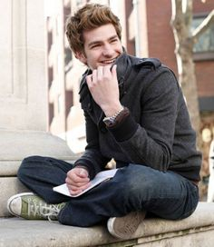 Get Andrew Garfield's Style (Spiderman, The Social Network) with our great range of converse. Visit: http://www.hypedirect.com/converse-m15