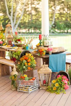 Late Summer Harvest Picnic inspiration: http://www.stylemepretty.com/living/2014/09/15/late-summer-harvest-picnic/ | Photography: Brian Leahy - http://brianleahyphoto.com/