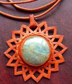 Collar calado en cuero girasol con oceanita (onix cielo) leather collars stone Semi Precious Gemstones