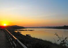 sunsetting by MeKong River, Chiang Khan
