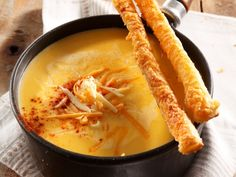 Quick cheese straws with cheese fondue Savoury Finger Food, Finger Foods, South African Recipes, Ethnic Recipes, Cheese Straws, Food For Thought, Fondue, Food Inspiration, Curry