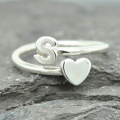 Initial Ring Personalized Gift Bridesmaid Gift Bridal Jewelry Maid Of Honor Wedding Gift Stacking Ring Best Friend Gift Heart Ring Cute Jewelry, Bridal Jewelry, Silver Jewelry, Fashion Rings, Fashion Jewelry, 5 April, Personalized Bridesmaid Gifts, Cute Rings, Bridal Gifts
