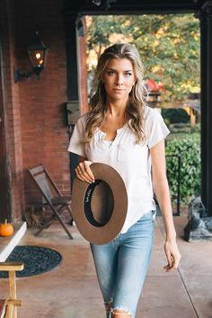 Amax Model Management - Brielle Fender