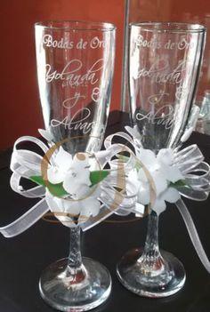 Copas para bodas de oro, con cinta y azahares
