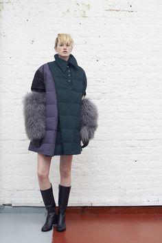 Fashion Days, Womens Fashion, Fashion Trends, Interview, Winter Jackets, Drawing, Lady, Inspiration, Winter Coats