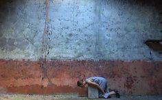 """As dez telas de plasma do """"Paradas em Movimento"""" do Centro Cultural São Paulo (CCSP) exibe nos pisos Flávio de Carvalho e Caio Graco a mostra """"Passado Imperfeito"""" entre o período de 18 de janeiro a 6 de março, com entrada Catraca Livre. """"Passado Imperfeito"""" reúne uma seleção de vídeos de alguns dos mais notáveis...<br /><a class=""""more-link"""" href=""""https://catracalivre.com.br/sp/agenda/barato/paradas-em-movimento-passado-imperfeito-no-ccsp/"""">Continue lendo »</a>"""