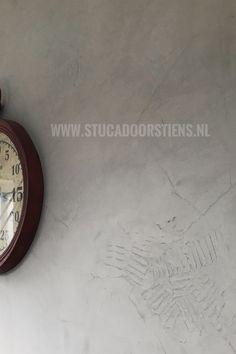 #betonlook  #stucco #beton  aangebracht op de #wand  www.stucadoorstiens.nl
