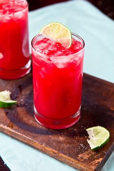 It's National Margarita Day! Celebrate with These 10 Tequila Cocktails Es ist National Margarita Day! Cocktails, Cocktail Drinks, Fun Drinks, Yummy Drinks, Cocktail Recipes, Yummy Food, Drink Recipes, Liquor Drinks, Fun Recipes