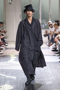 Yohji Yamamoto | Menswear - Spring 2018 | Look 40