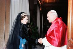 Pope John Paul II meets Queen Elizabeth II exchange gifts at the Vatican, Rome, Italy on the 17th of October 1980