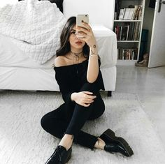 All black style, all black outfit, black outfits, casual outfits, black clo Style Outfits, Cute Outfits, Fashion Outfits, Fashion Weeks, Ootd Fashion, London Fashion, Girl Outfits, Hipster Vintage, Elegantes Outfit